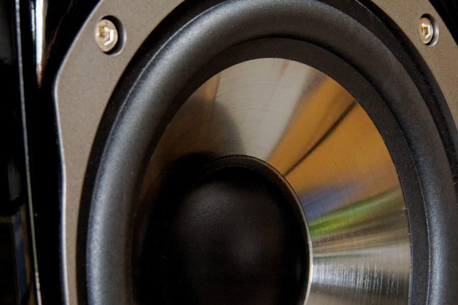 speakers-864497_1920